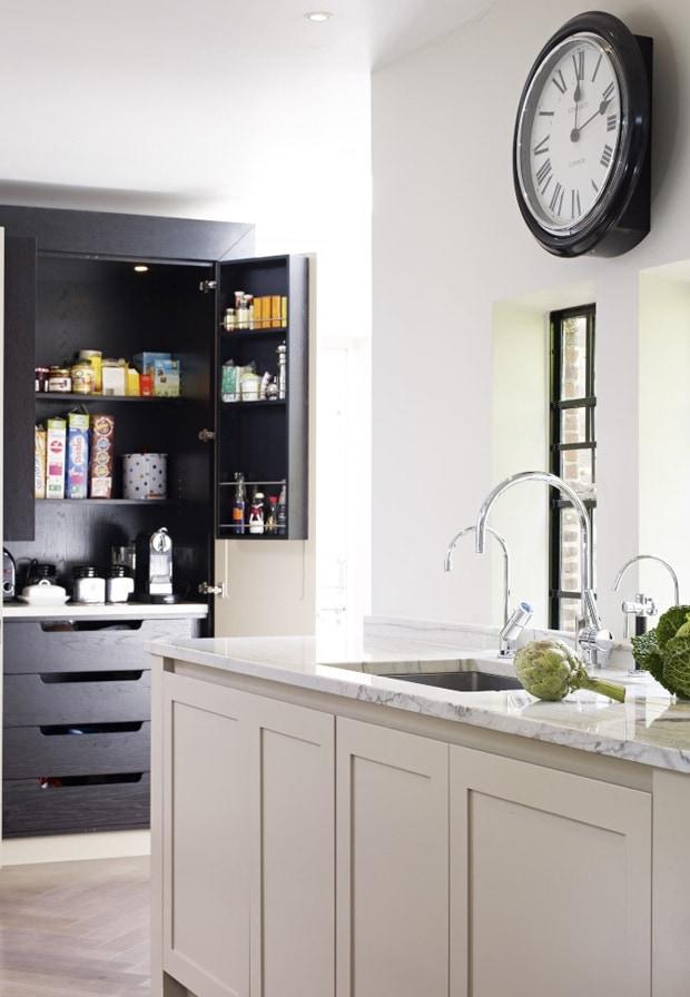 Shaw light and dark kitchen concept