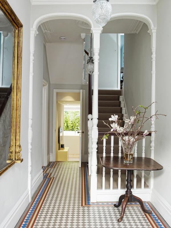 Traditional Esmund hallway concept