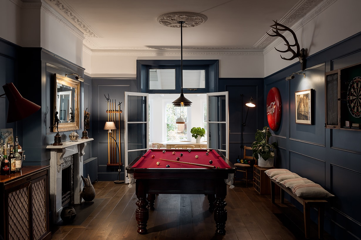 Woodlands traditional games room concept